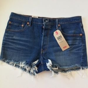 NWT 32W, 501 mid rise shorts, button fly
